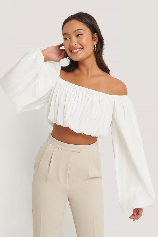 Balloon Long Sleeved Cropped Top White