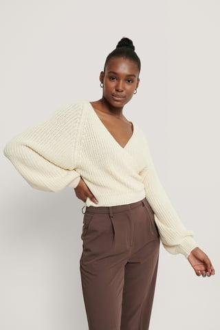 Cream Ekologiczny Kopertowy Dziergany Sweter Z Bufiastymi Rękawami