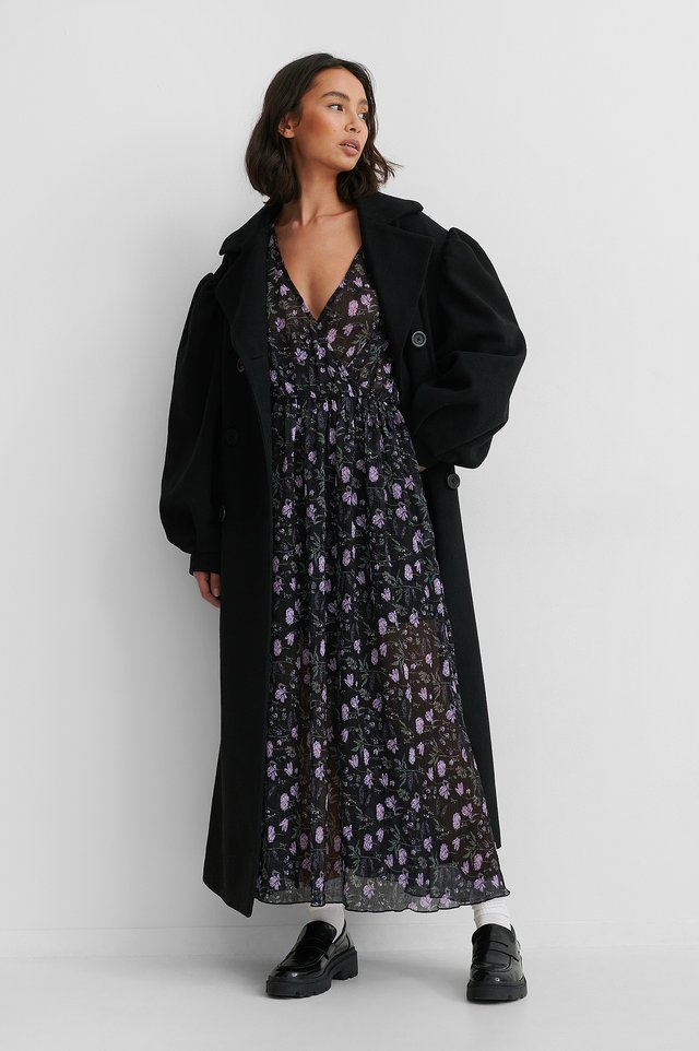 Dark Flower Bed Balloon Sleeve Overlap Structured Dress