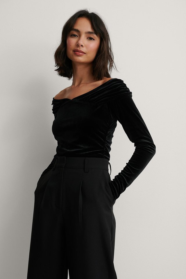 Black Bare Shoulder Velvet Body