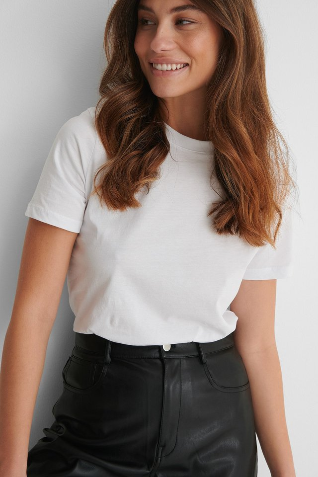 White Basic Cotton Roundneck T-shirt