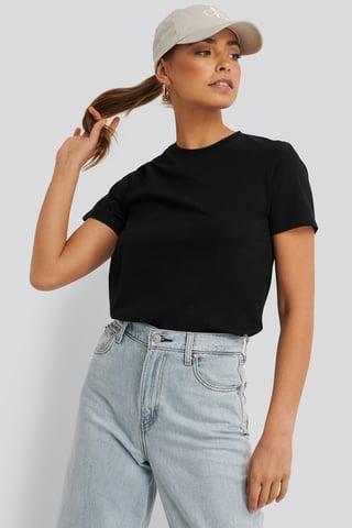 Black Bas-T-Shirt
