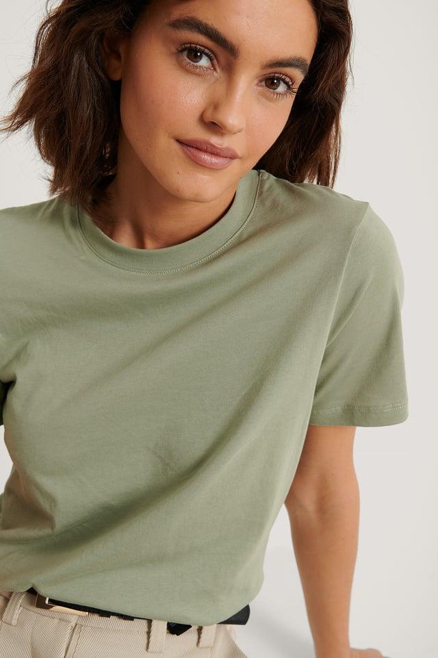Light Khaki Basic T-Skjorte