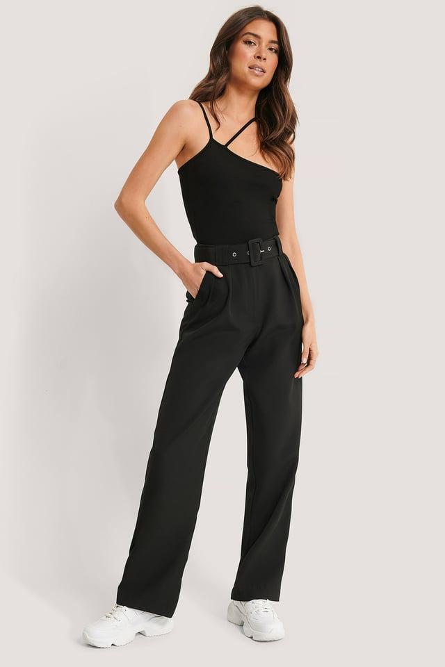 Rette Bukser Med Plissering Og Belte Black