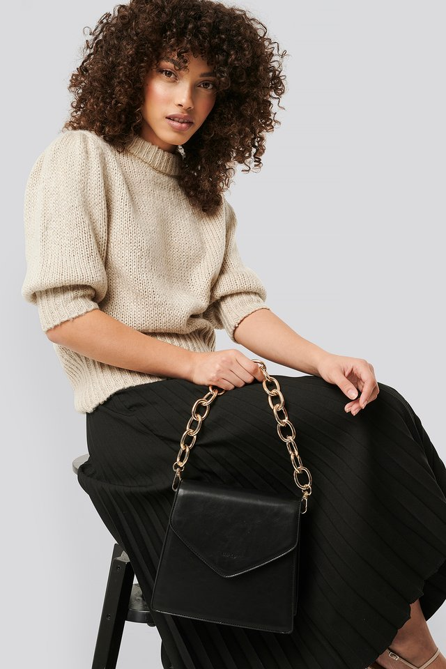 Big Chain Trapeze Bag Black