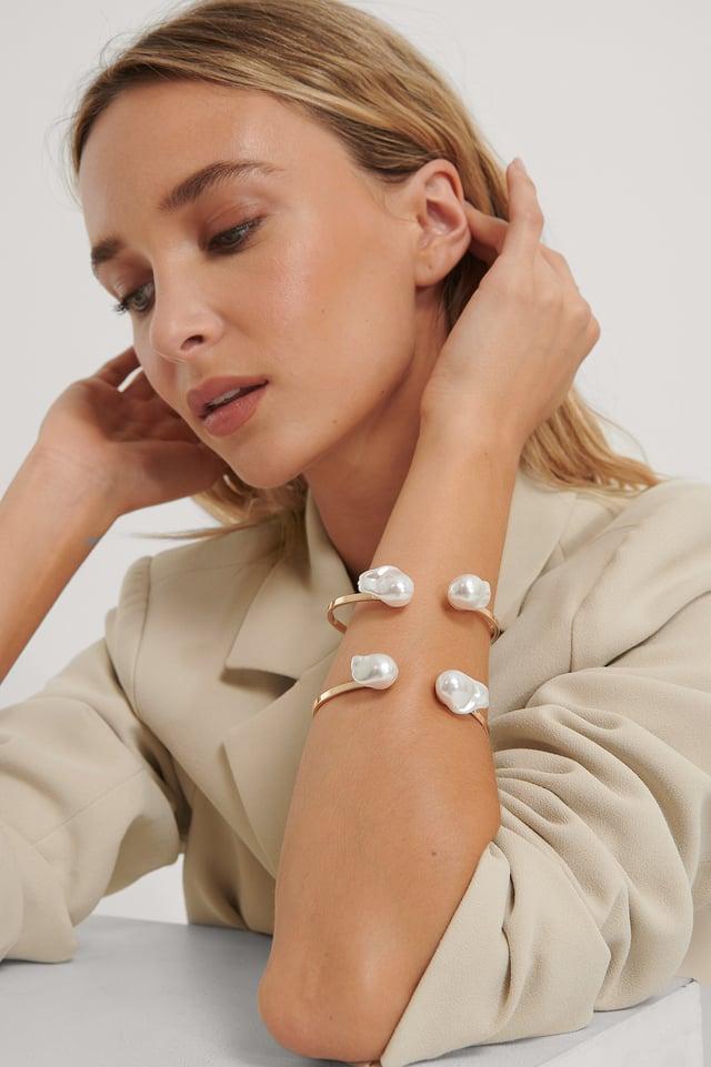 Big Pearl Cuff Bracelet Gold