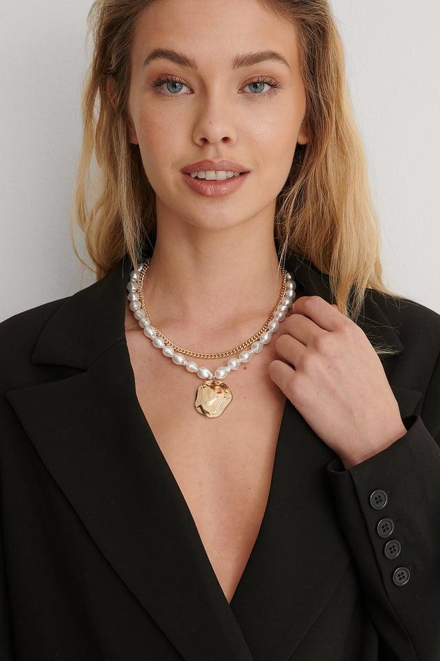 Gold/White Big Pearl Pendant Necklace