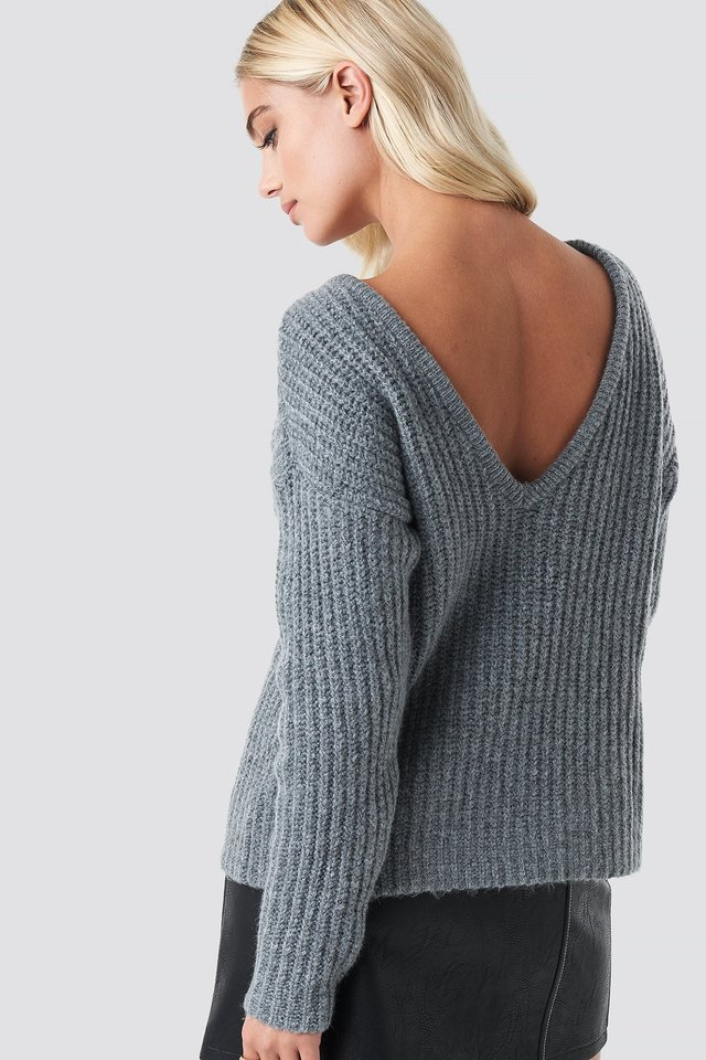 Boxy V-back Knitted Sweater Grey