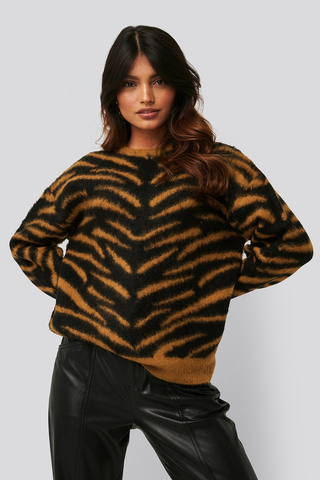 Brushed Zebra Knitted Sweater Black/Rust