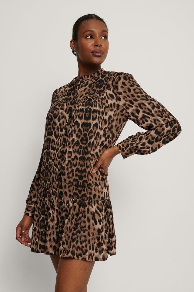 Leopard Sukienka Z Falbankami, Okrągły Dekolt I Guziki