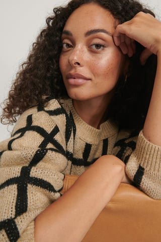 beige/Black Checked Pattern Knitted Sweater