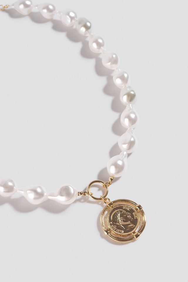 Chunky Pearl Coin Pendant Necklace Gold