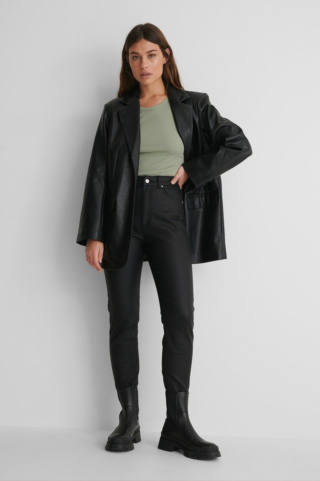 Coated Tight Fit Jeans Black