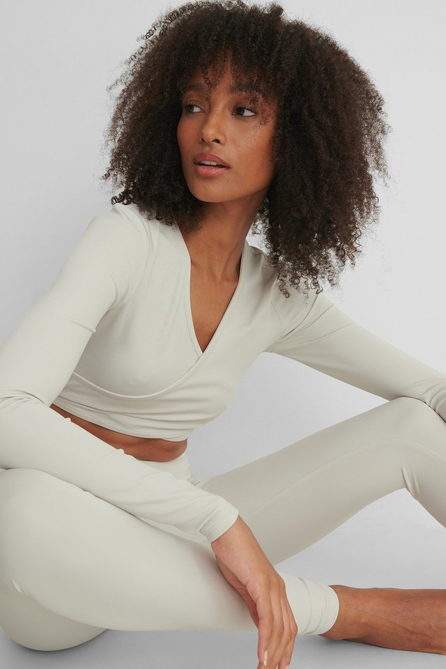 Criss Cross Sporty Top Dusty Light Beige