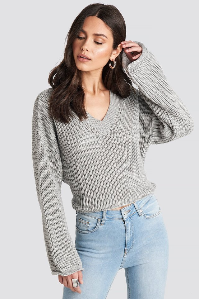 Light Grey Cropped V-neck Knitted Sweater