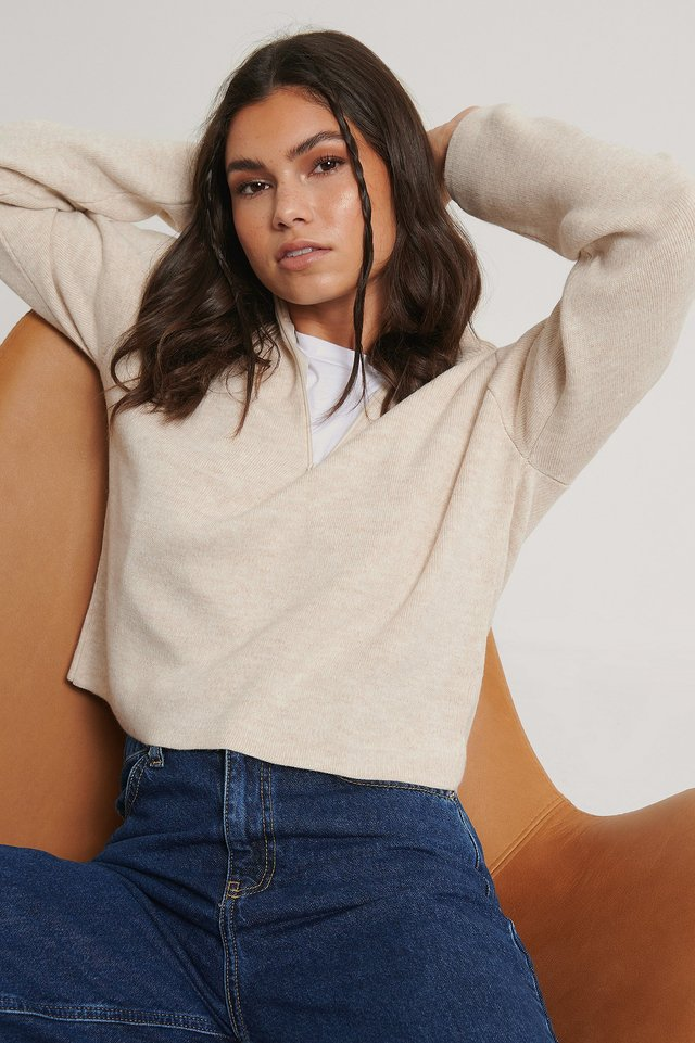 Cropped Zip Detail Knitted Sweater Beige