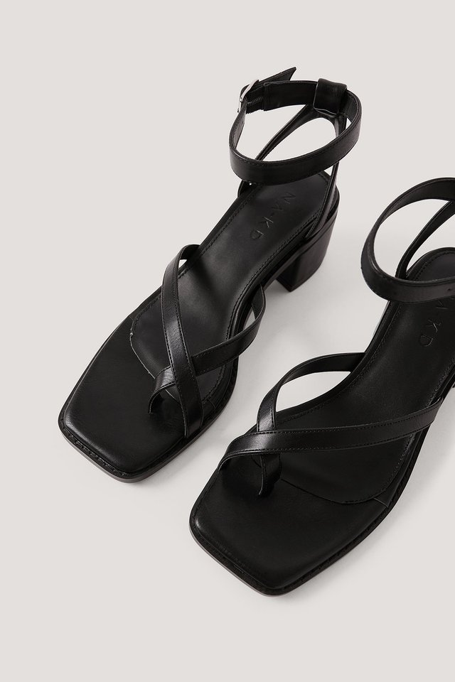 Black Cross Toe Strap Block Heel Sandals