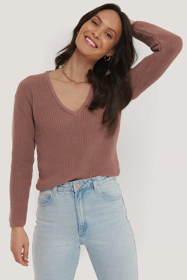 Dusty Dark Pink Sweter z głębokim dekoltem V
