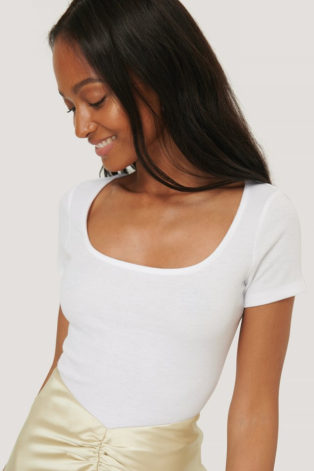 Deep Roundneck Short Sleeve Ribbed Top Offwhite