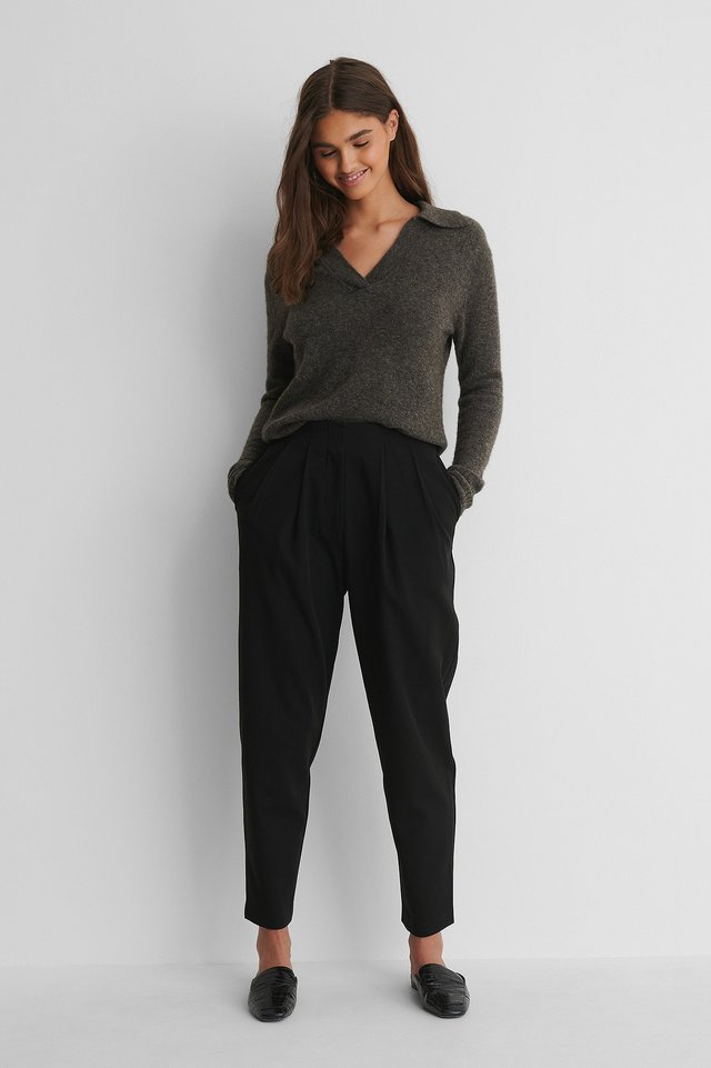 Black Deep Pleat Cropped Pants