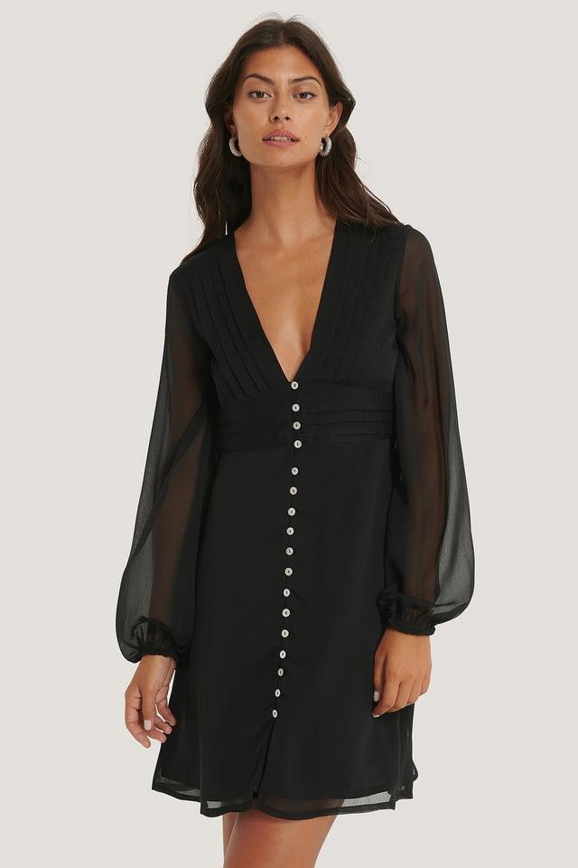 Deep V-neck Pleated Dress Black
