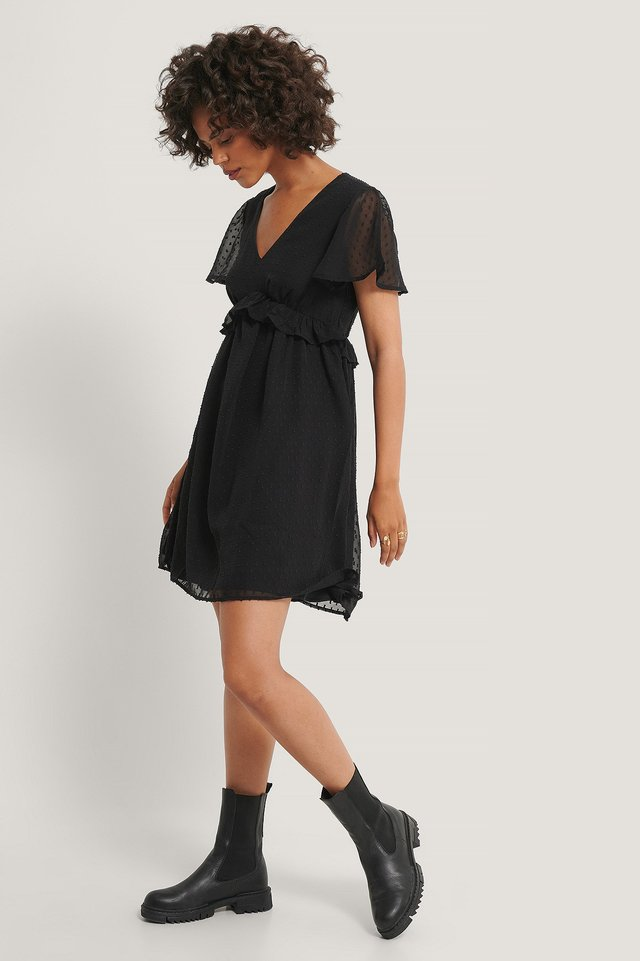 Dobby Short Sleeve Flounce Dress Black