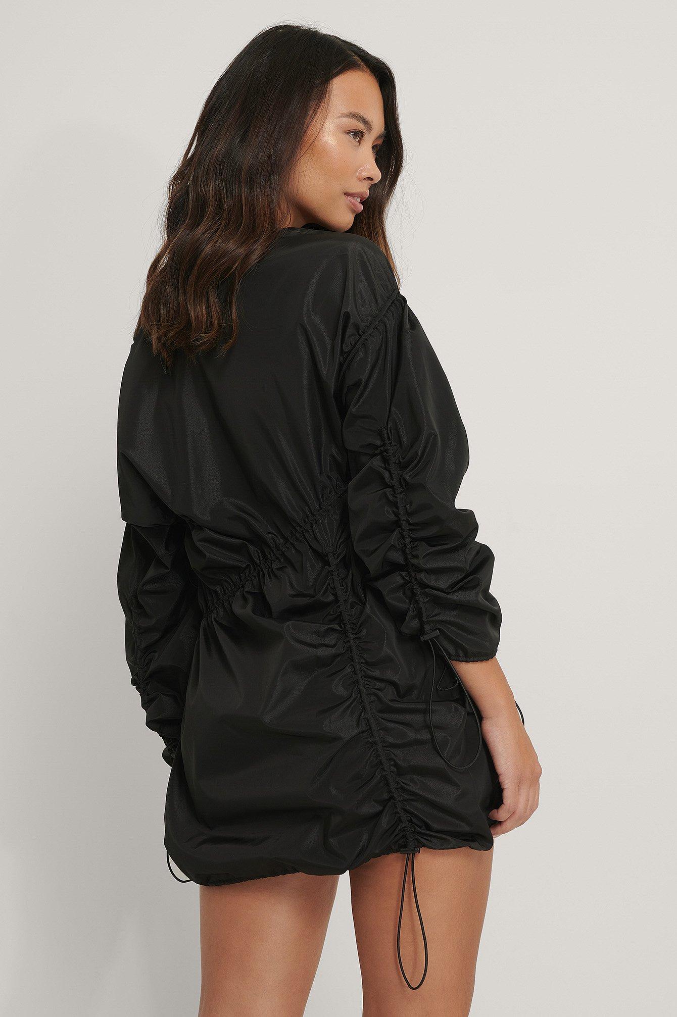 Black Miniklänning Med Dragsko