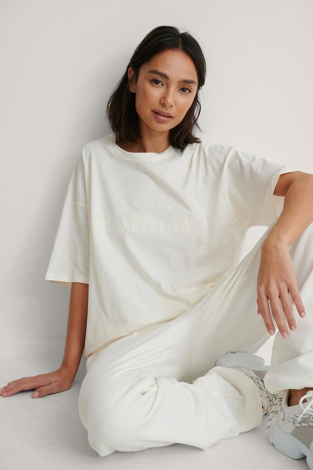 Offwhite Organisch Recht Cropped T-shirt Met Borduursel
