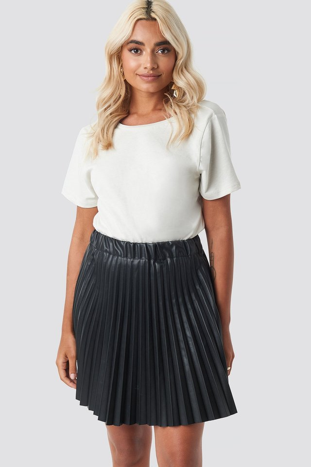 Faux Leather Pleated Mini Skirt Black