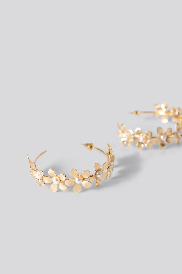 Flower Detailed Hoop Earrings Gold