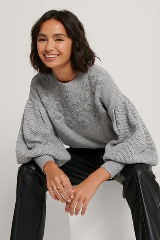 Grey Sweater Mit Ballonärmeln Und Blumenstickerei