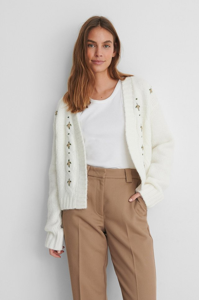 Offwhite Flower Embroidery Knitted Cardigan
