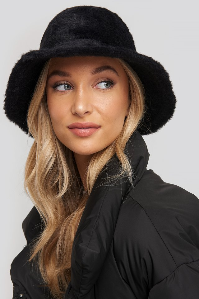 Fluffy Bucket Hat Black