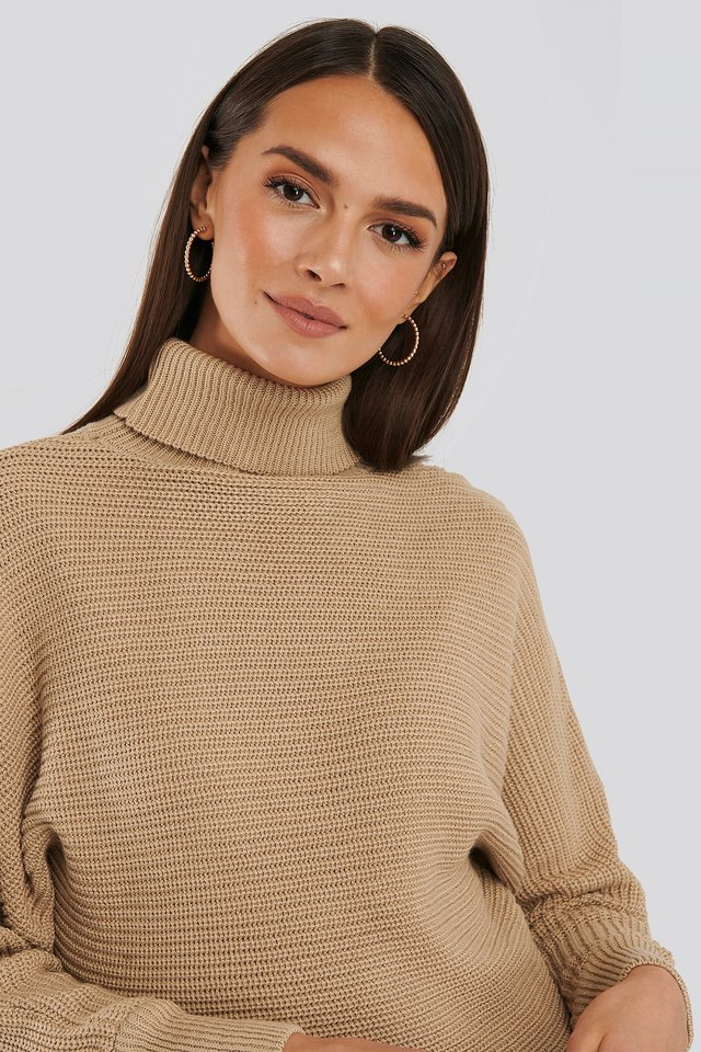 Folded Knitted Sweater Beige