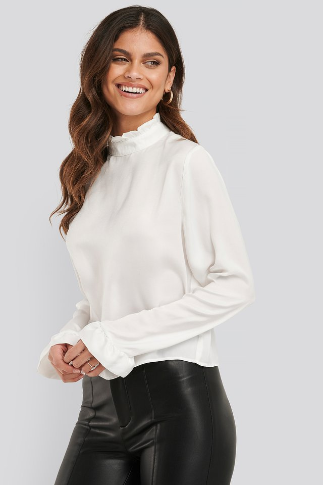 Frill Sleeve Elastic Collar Blouse Offwhite