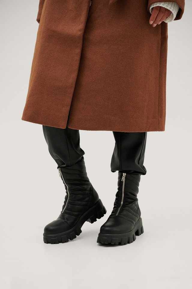 Front Zipper Chunky Boots Black