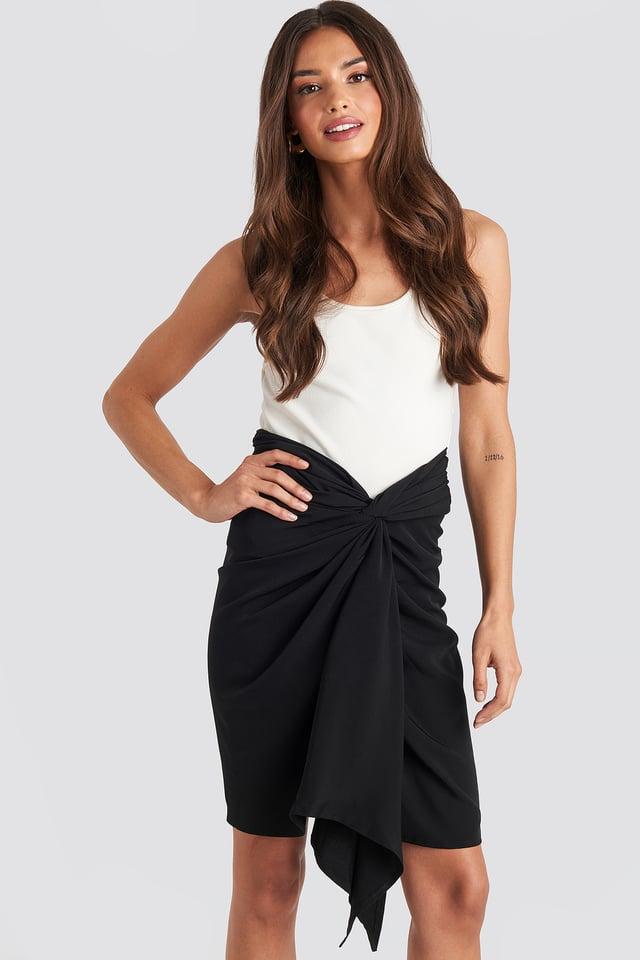 Front Twist Skirt Black