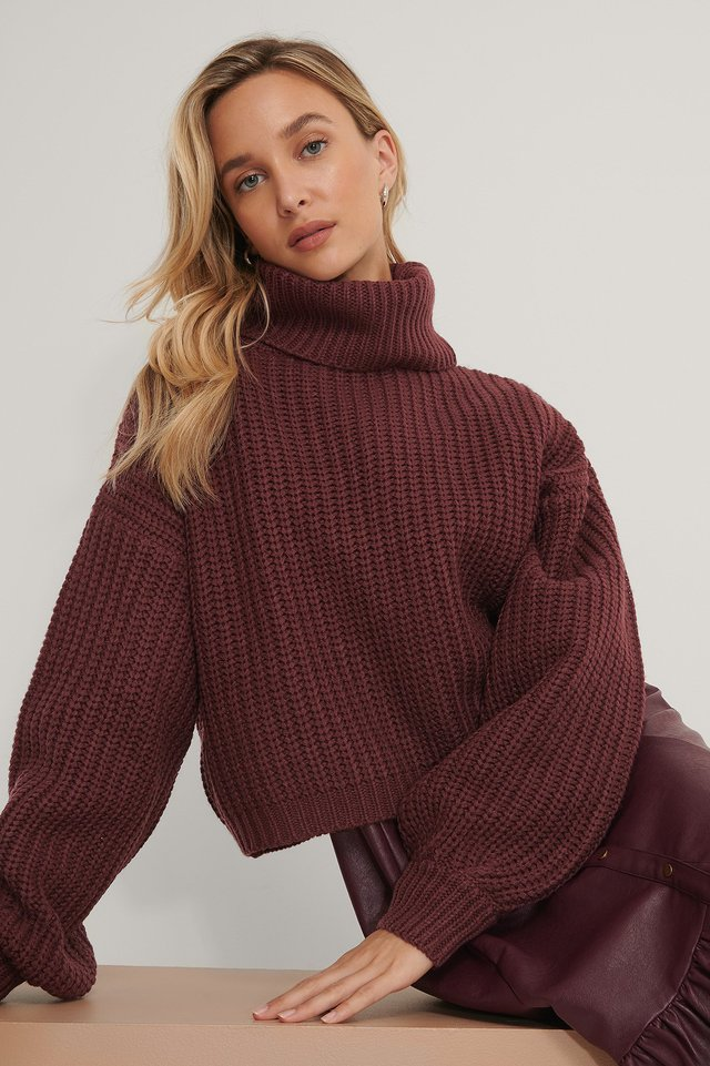 High Neck Short Knitted Sweater Burgundy