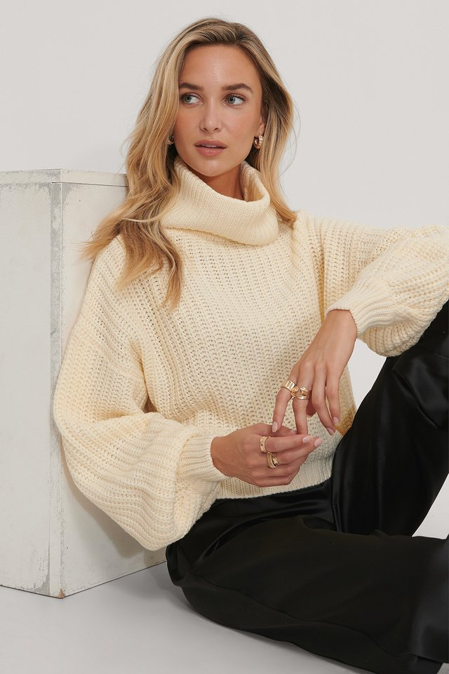 High Neck Short Knitted Sweater Off White