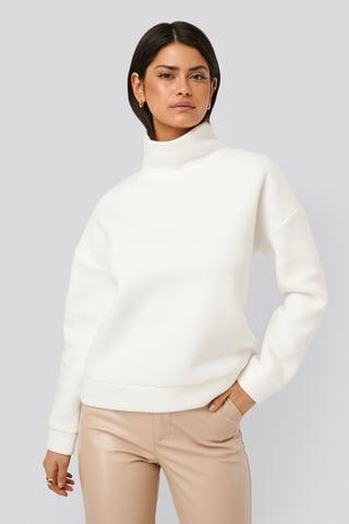 White Genanvendt Højhalset Trøje