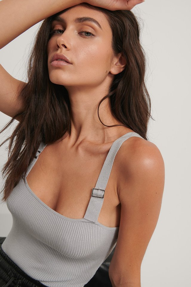 Shoulder Straps Detail Body Grey