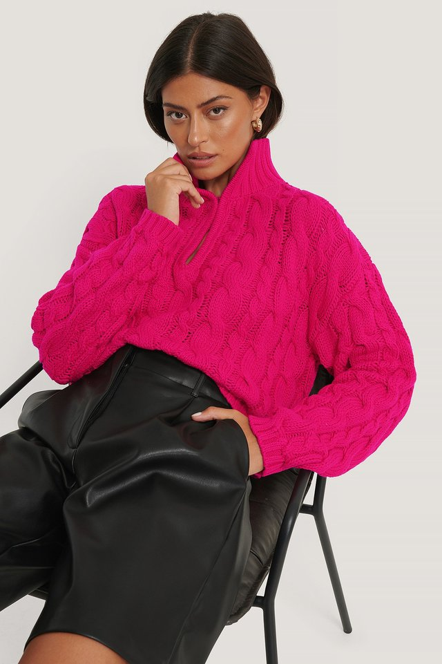 Keyhole Oversized Cropped Cable Knit Pink