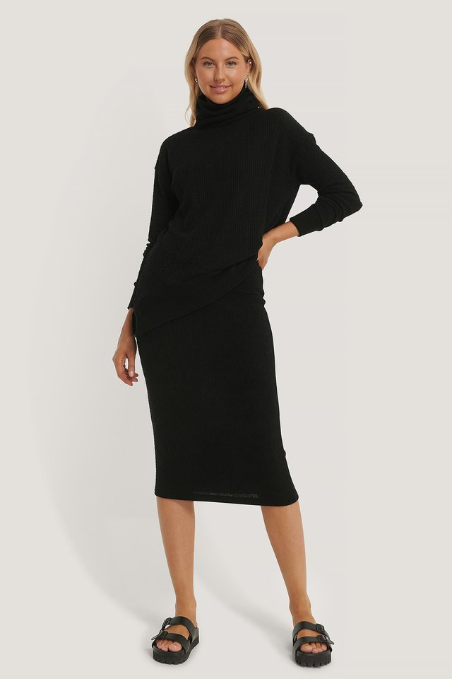 Black Knitted Midi Skirt