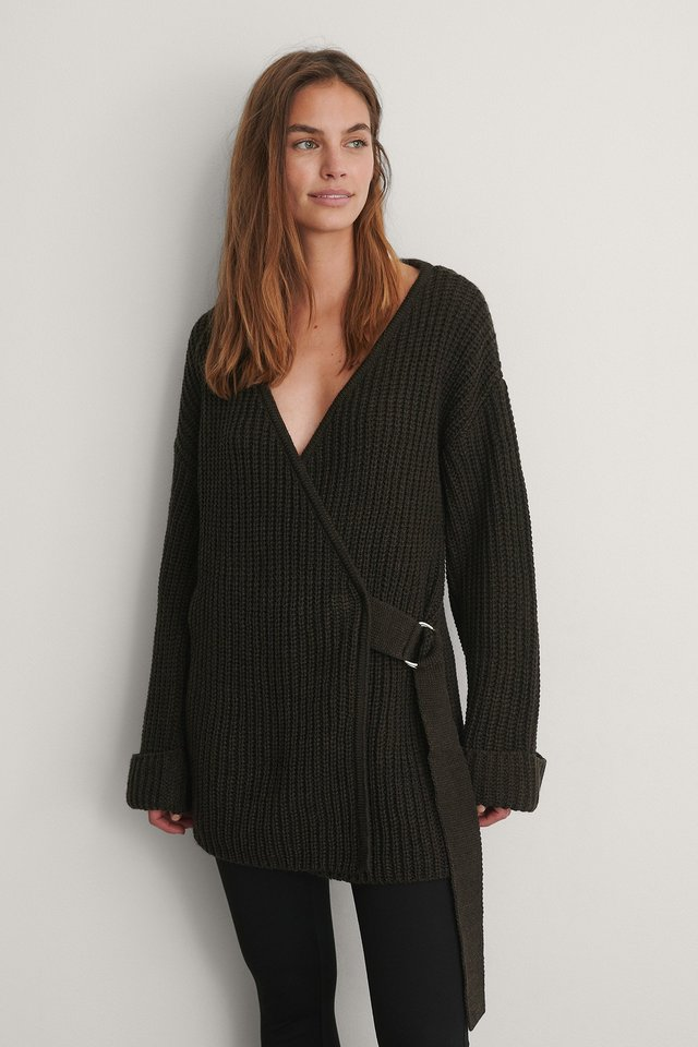 Brown Stickad Cardigan