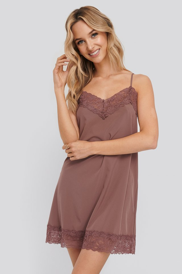 Lace Detail Night Dress Burgundy