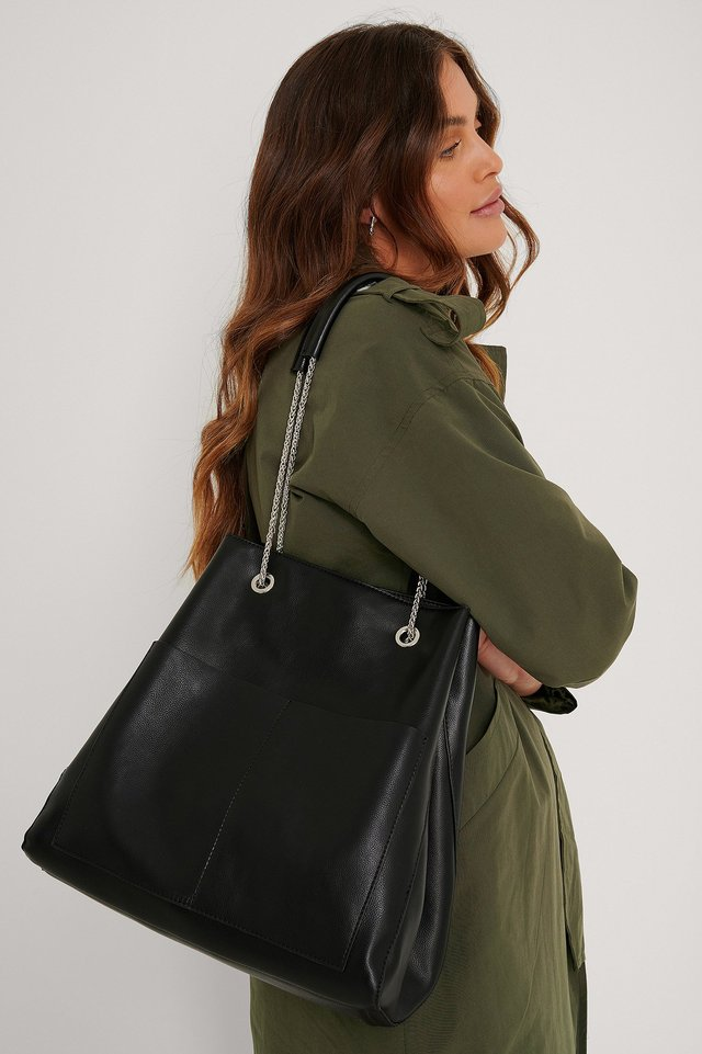 Leather Trapeze Chain Bag Black
