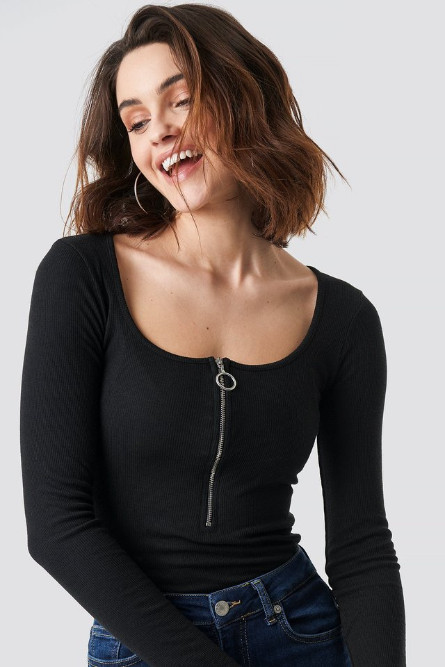 Black Long Sleeve Zipped Top