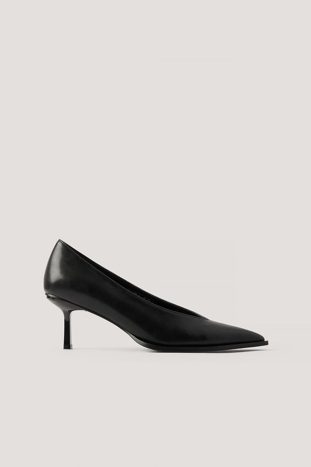 Black Low Stiletto Welt Detailed Pumps