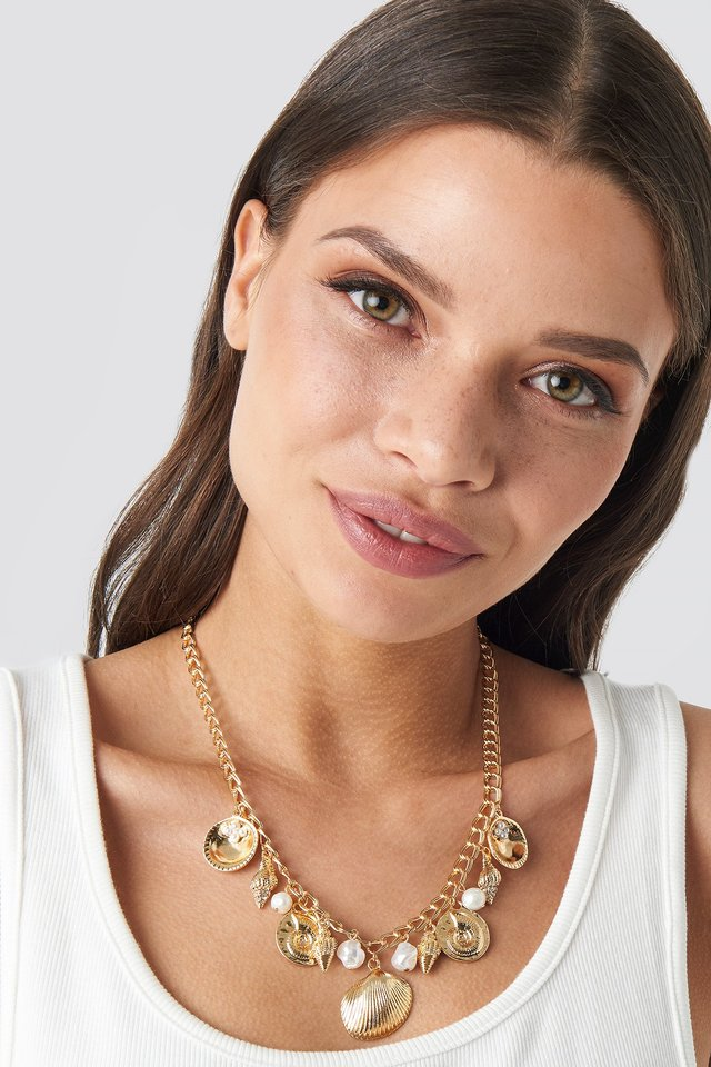 Multi Shell Pendant Necklace Gold