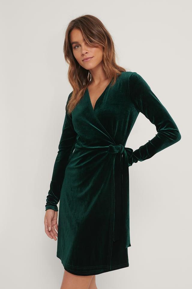 Emerald Green Fløyelskjole Med Omslag